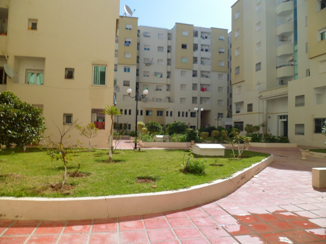Location immobilier tunisie appartement tunisie for Villa avec jardin tunisie
